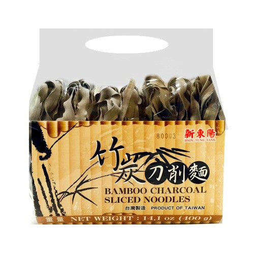 HSINTUNGYANG Bamboo Charcoal Sliced Noodles 400g