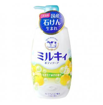 日本COW牛乳石鹼共进社 美肌泡沫沐浴乳 天然柚香 550ml