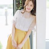 【韩国直邮】ATTRANGS 蕾丝圆领衬衫 象牙色/黑色 均码