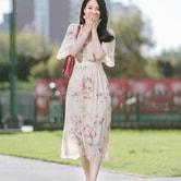 【韩国直邮】ATTRANGS 印花雪纺V领连衣裙 米色 均码