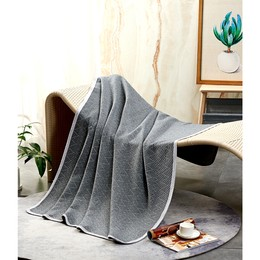 """水星家纺【100% 全棉薄毯 】经典现代 51"""" x 73""""  夏毯夏被凉被薄被毯子多功能毯空调毯旅行毯沙发毯午睡毯 - 灰"""