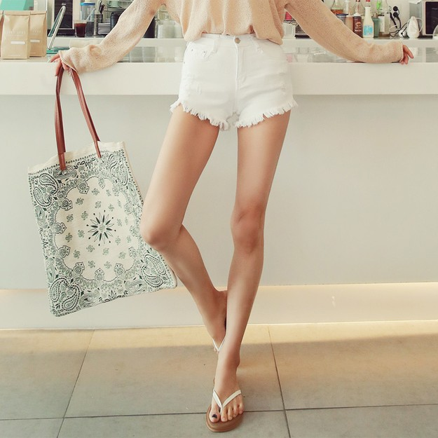 Product Detail - WINGS Mid-High Rise Frayed Hem Denim Shorts #White M(27-28) - image 0