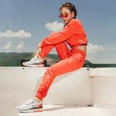 中国直邮 暴走的萝莉 宽松收口训练运动长裤 跑步休闲裤/极光红#/M