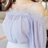 【韩国直邮】ATTRANGS 蕾丝露肩雪纺衬衫 紫色 均码