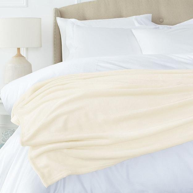 商品详情 - Premium Down欧美简约双层加厚超柔软法兰绒被子 白色 Twin - image  0