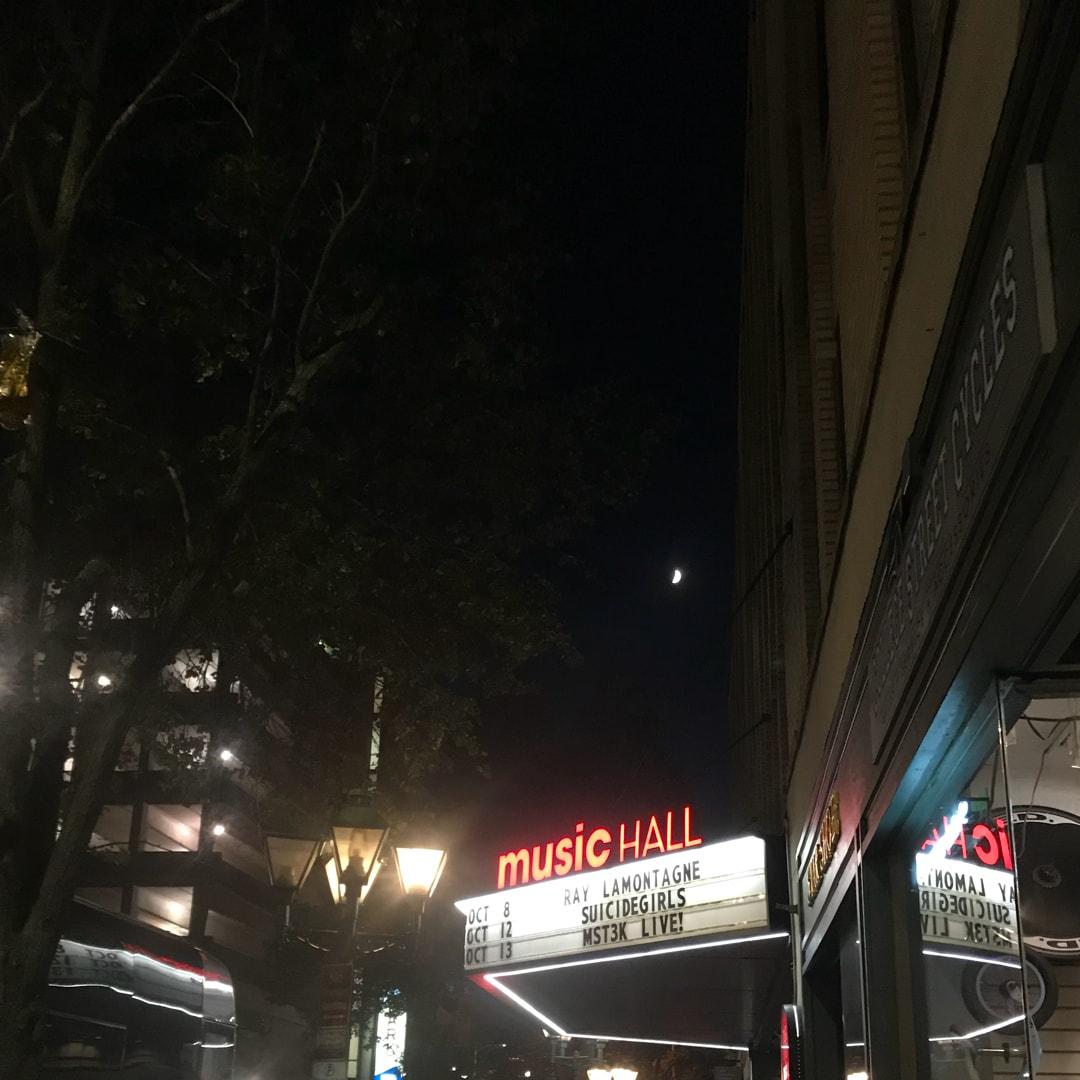 星月同辉头像