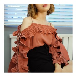 NICHE MARKET RUFFLE SLEEVES BLOUSE RED/M