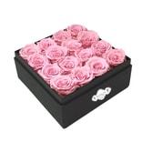 BLOSSOMING LOVE 经典透视小方盒 粉色永生花 生日 表白礼物